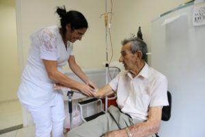 enfermeira com paciente